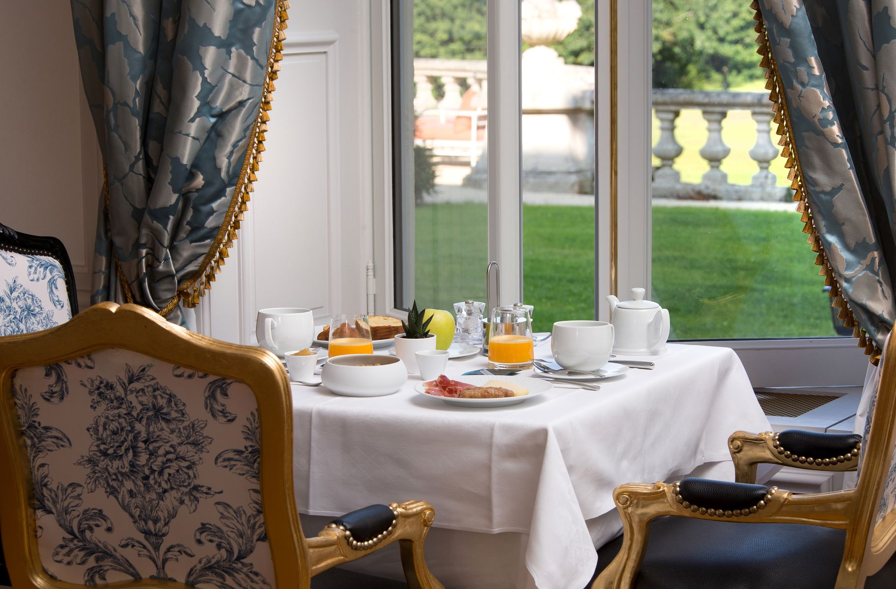 Hôtel Alexandra Palace ***** | Luxury Hotel France | Breakfast